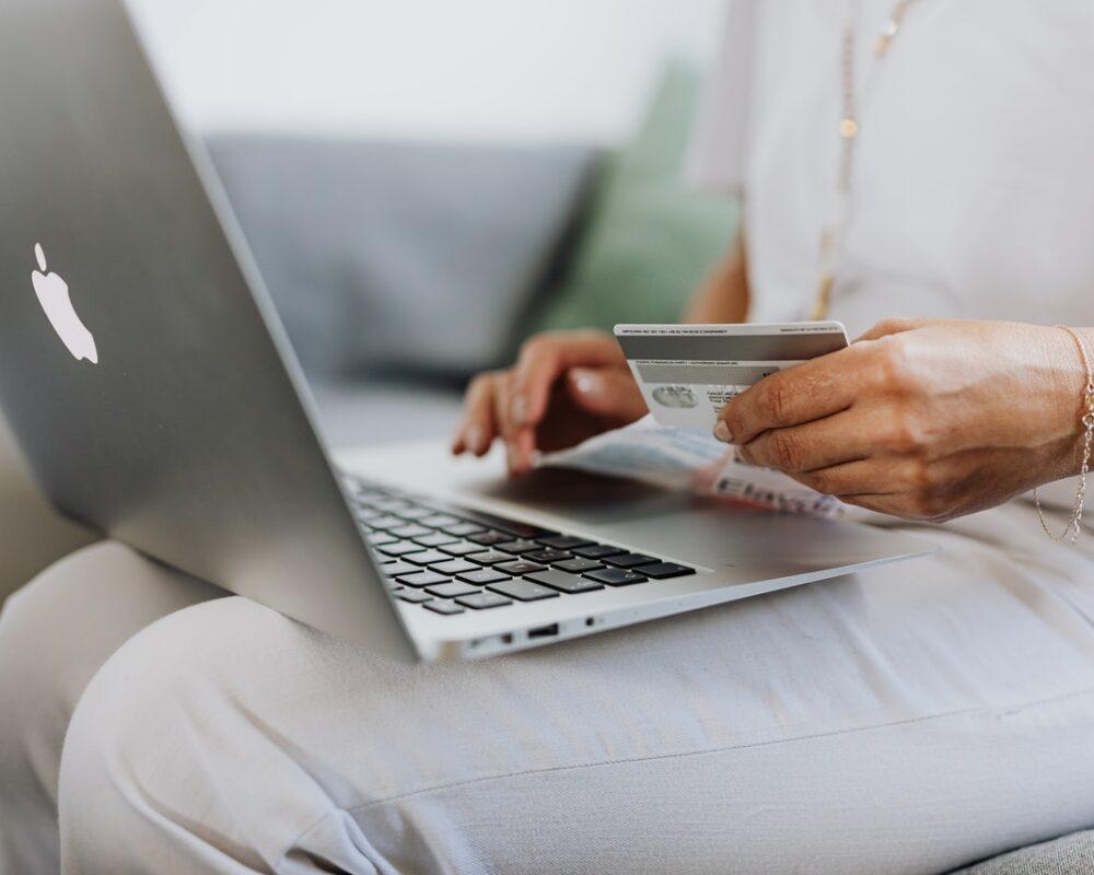 Women spending money online advertisement